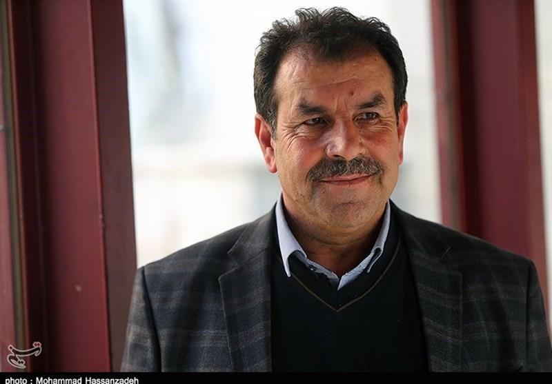 اصفهانیان: اینکه داوری به خاطر مسئله شخصی نتیجه بازی را تغییر داده، عقلانی نیست، باشگاه ها کتبی اعتراض نمایند