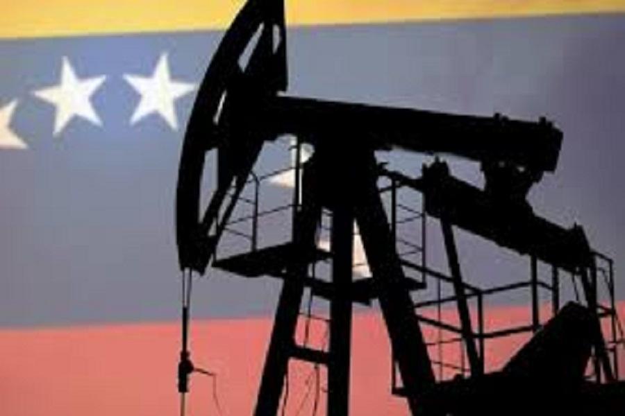 اسپوتنیک: تحریم های نفتی ونزوئلا به ضرر آمریکا است