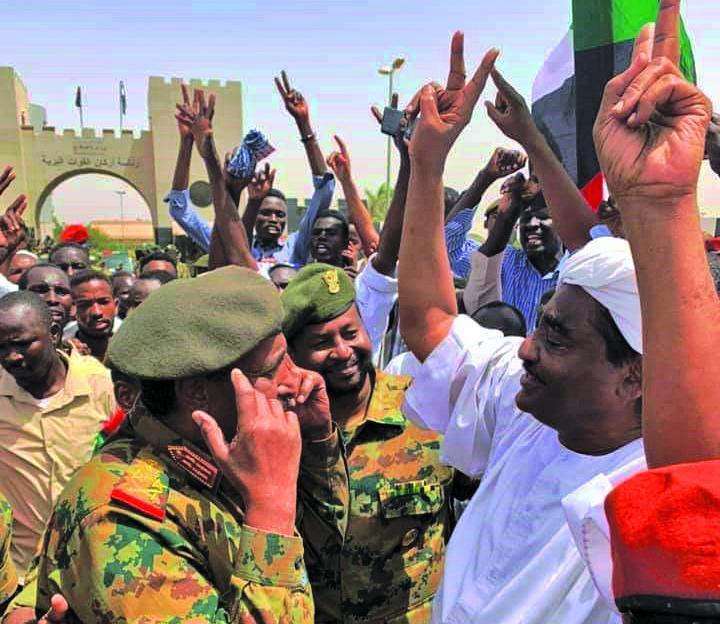 انقلابیون سودان برای بازگشت به خانه شرط گذاشتند