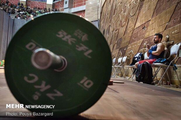 معادله پیچیده وزنه برداری برای المپیک، بلاتکلیفی دو مسافر توکیو
