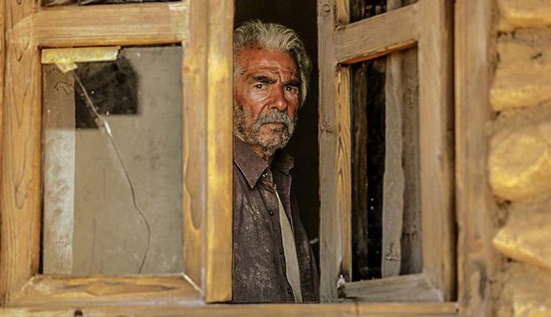 فیلم خروج حاتمی کیا به صورت آنلاین اکران می گردد